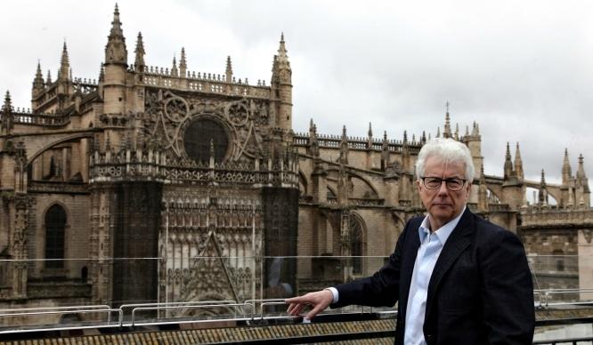 Ken Follett ambientará su última novela en Sevilla