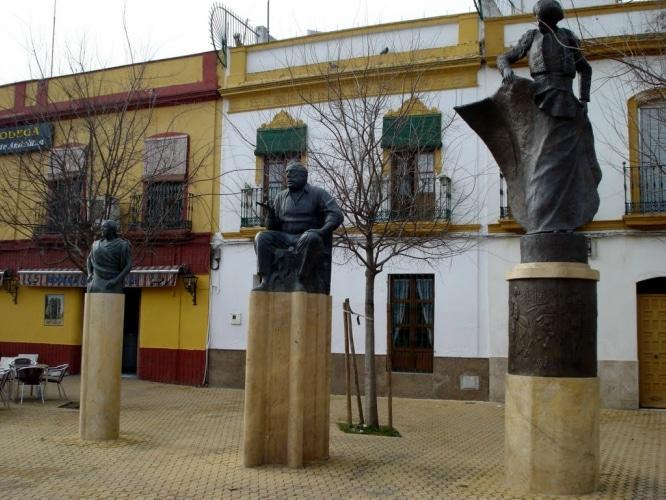 esculturas de sevilla