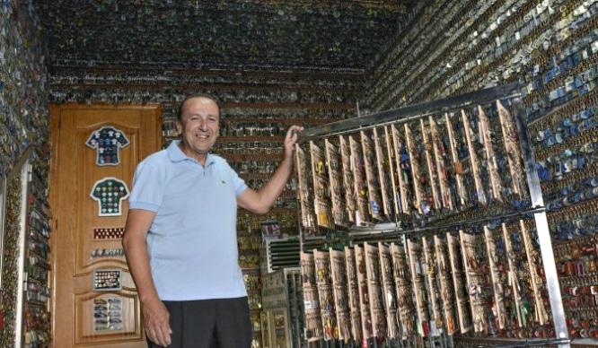 Un sevillano entra en el récord Guinness por su colección de… ¡Llaveros!