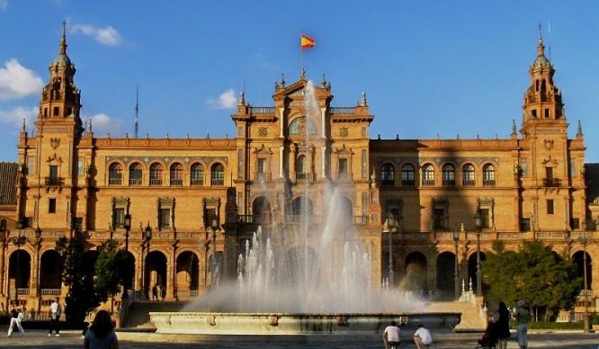La Plaza de España es uno de los 12 monumentos más valorados de Europa