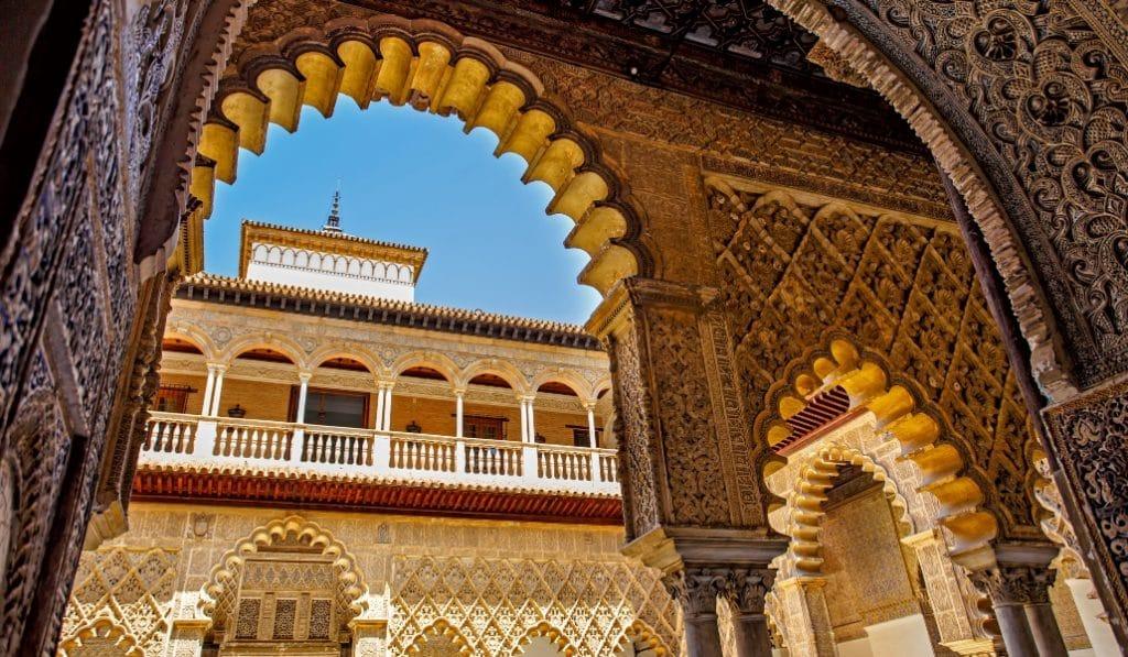 El origen de la legendaria mancha de sangre en el Alcázar