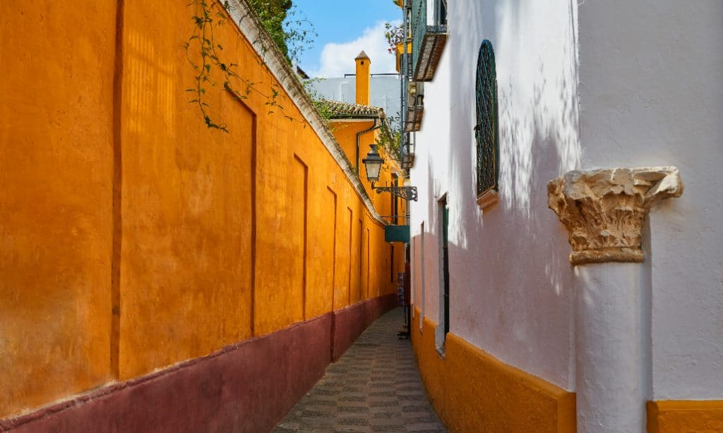 La tétrica leyenda de la calle del Ataúd de Sevilla