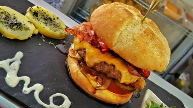 Wurst & Burger o las hamburguesas de Sevilla que te harán morir de placer
