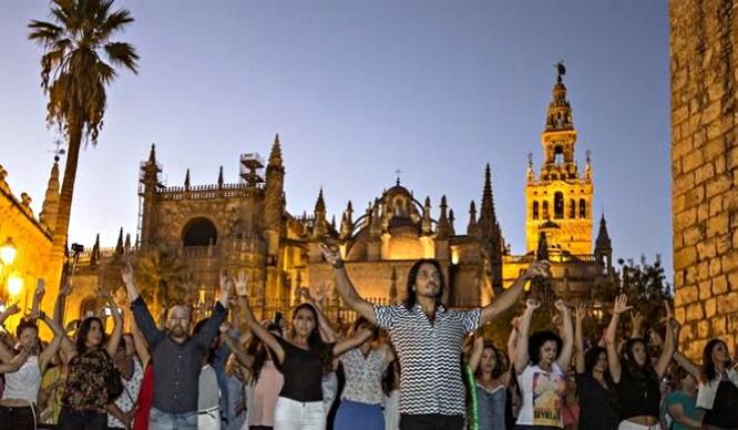 Farruquito dirige un flashmob para la Bienal de Flamenco
