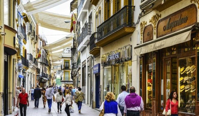 Sevilla es la tercera ciudad universitaria más cara de España
