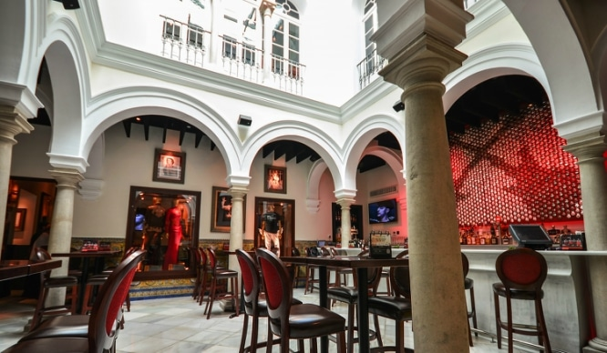 ¿Quieres asistir a la gran fiesta de inauguración de Hard Rock Cafe Sevilla?