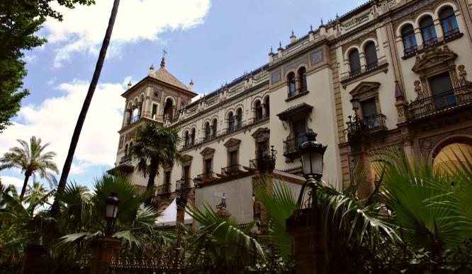 Sevilla es promocionada en Cannes como un destino para turismo de lujo