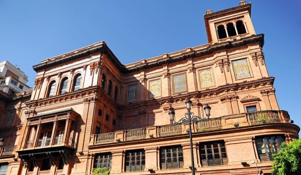 ¿Conoces la historia del Coliseo de Sevilla?