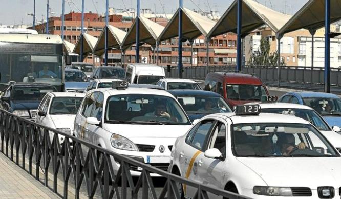 Sevilla es una de las ciudades españolas donde los jóvenes peor conducen