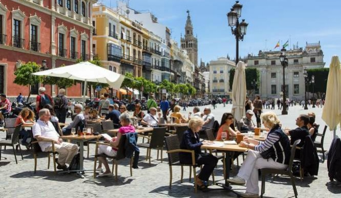 El turismo invade Sevilla y se convierte en la segunda ciudad española más visitada