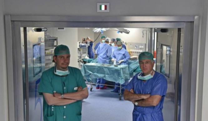 Unos sevillanos crean una nueva cirugía contra tumores