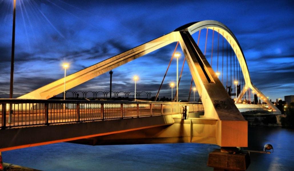 15 fotos que te demostrarán que Sevilla es la ciudad de los puentes