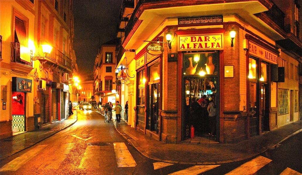 5 Bares castizos de Sevilla donde se come de lujo