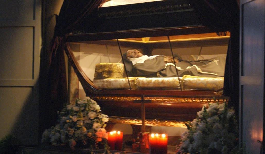 La ruta cadáver: personajes históricos de Sevilla que se conservan muy bien