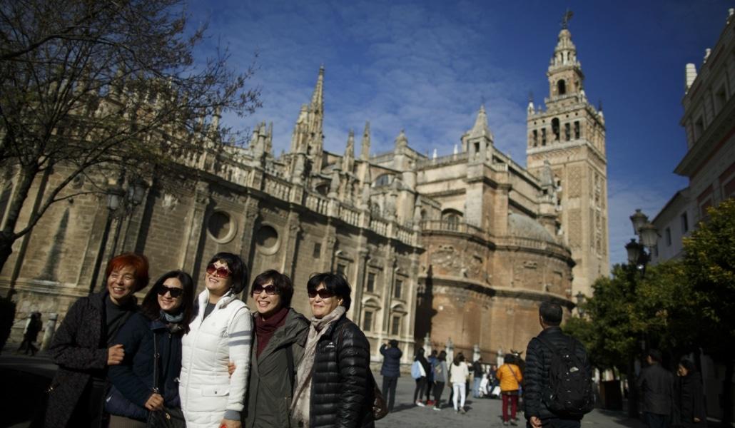 Sevilla podría tener tasa turística en un futuro