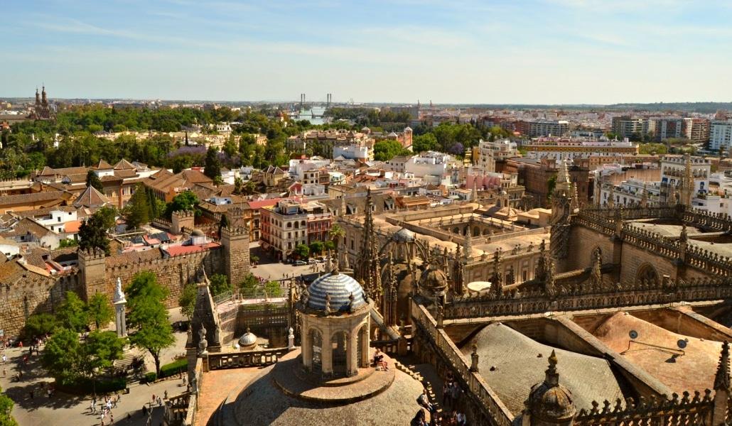 Cómo pasar tus vacaciones en otro país sin salir de Sevilla