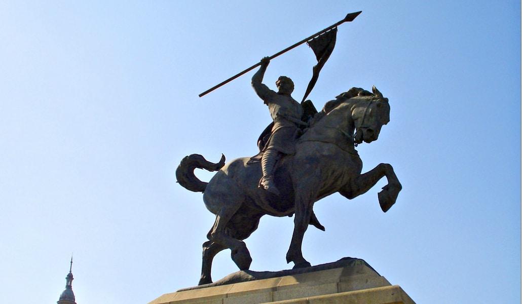 La historia detrás del Monumento al Cid Campeador de Sevilla