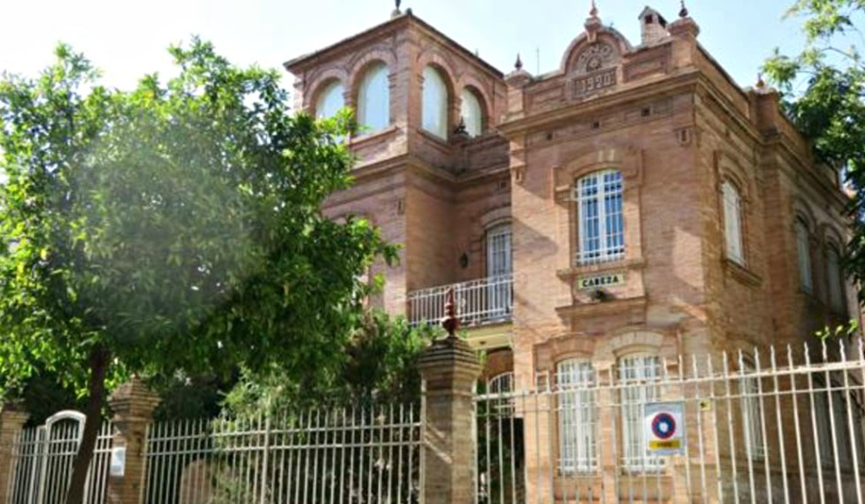 El Ayuntamiento impide que se derribe una casa de Aníbal González