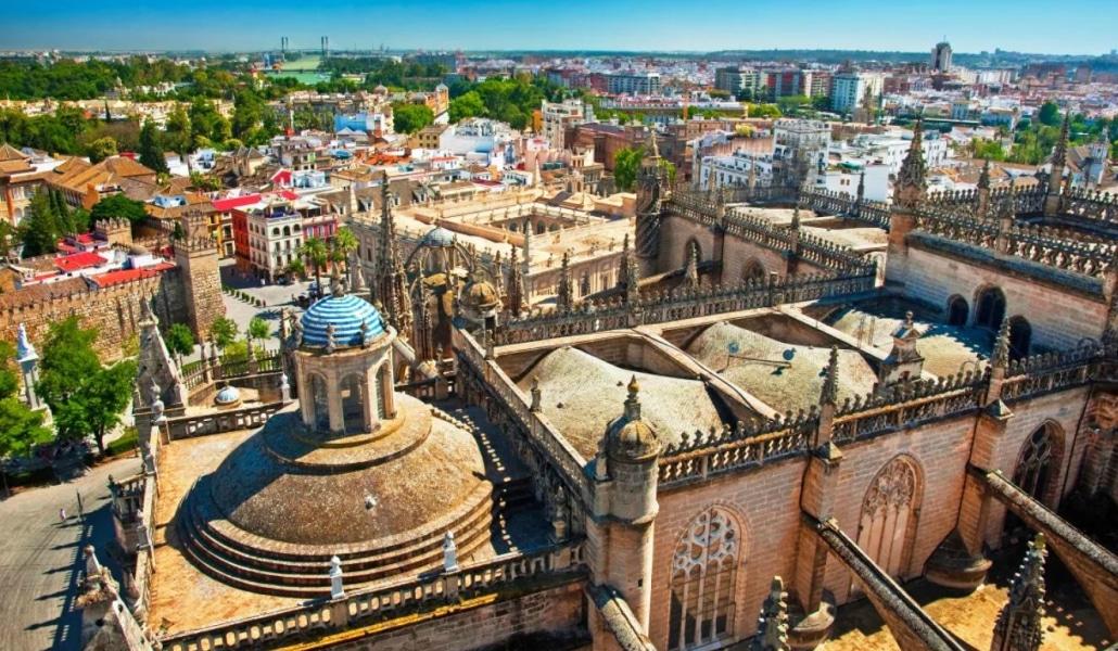 Sevilla tendrá una ocupación hotelera del 86,% en el Puente del Pilar
