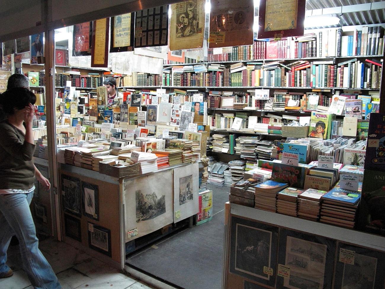 Feria del Libro Antiguo y de Ocasión Sevilla