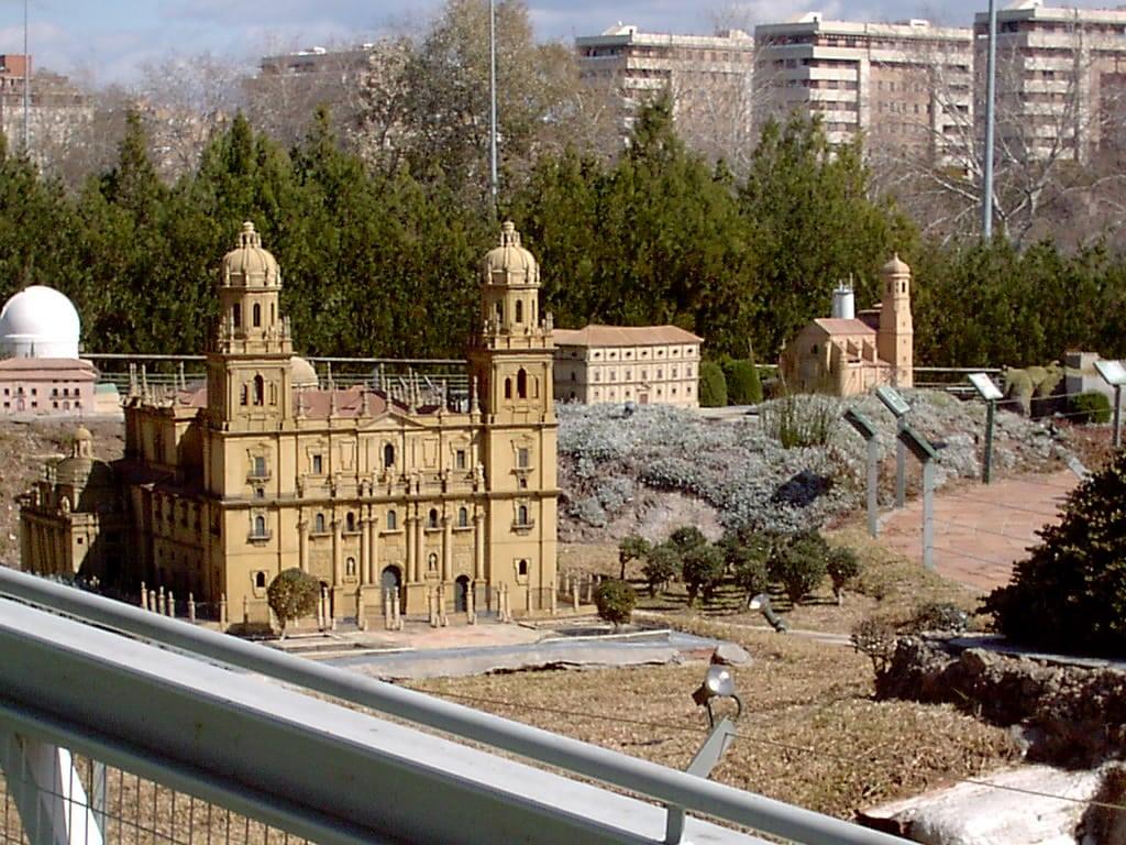 'Andalucia de los niños Sevilla