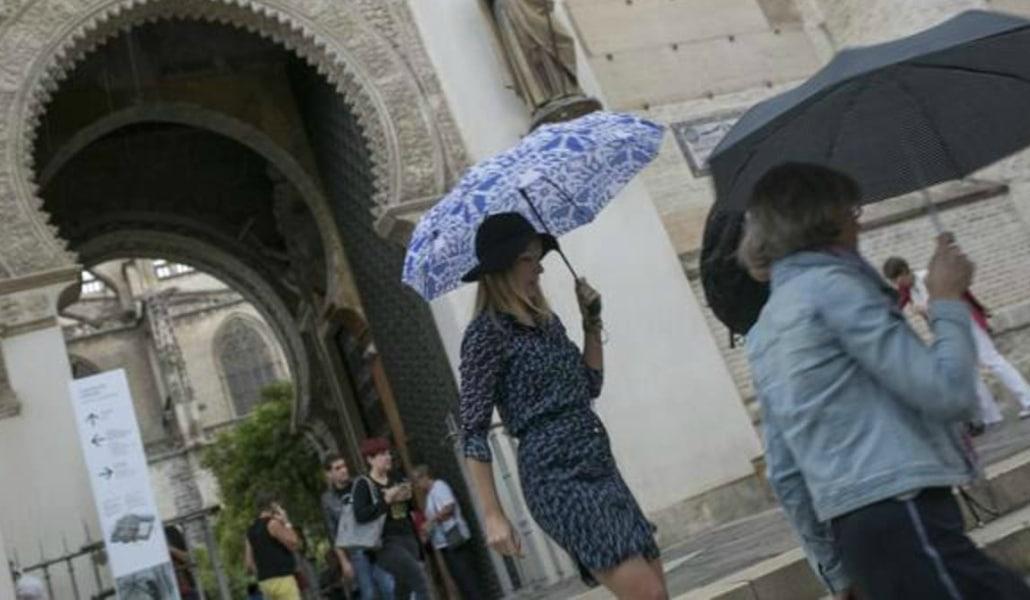 Aviso amarillo en Sevilla por vientos fuertes y tormentas