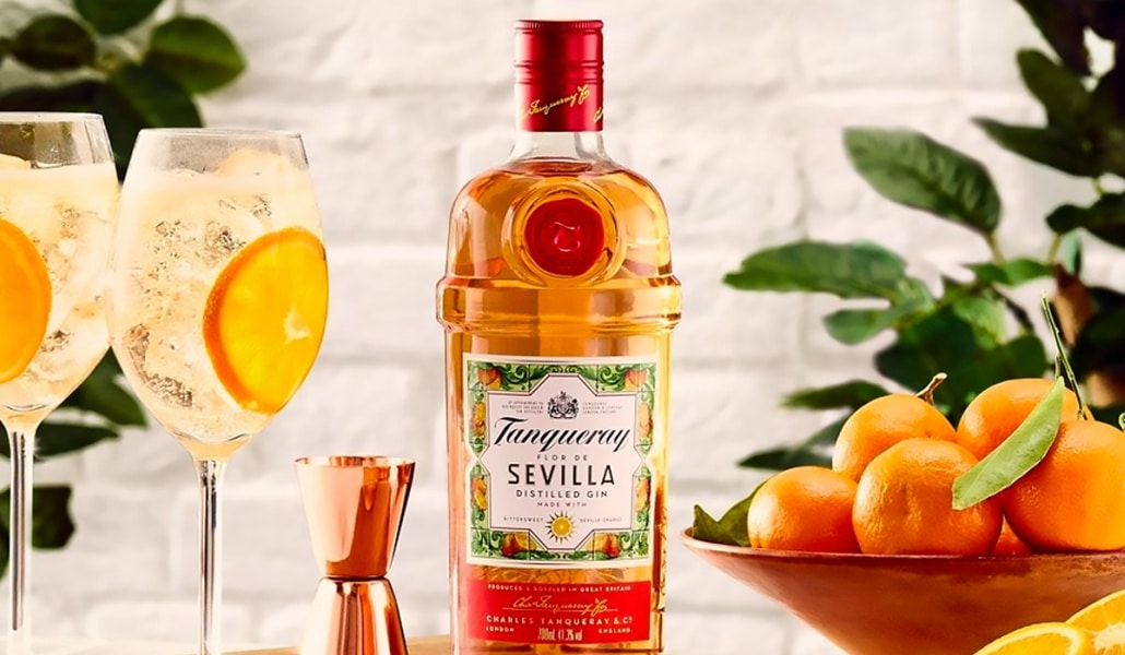 Tanqueray descubre el color especial de Sevilla y lo transforma en ginebra