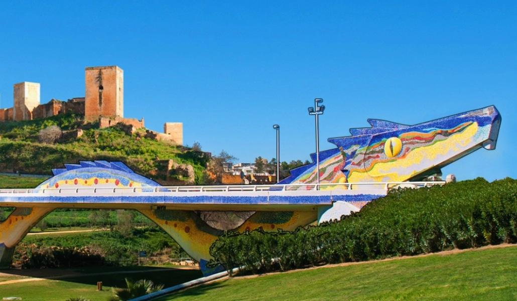 El Puente del Dragón, el homenaje a Gaudí en Alcalá de Guadaira