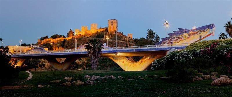 puente-del-dragon-iluminado