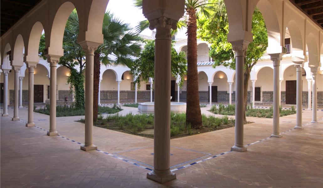 La Casa de los Poetas, el rincón hispalense que rinde culto a las Letras