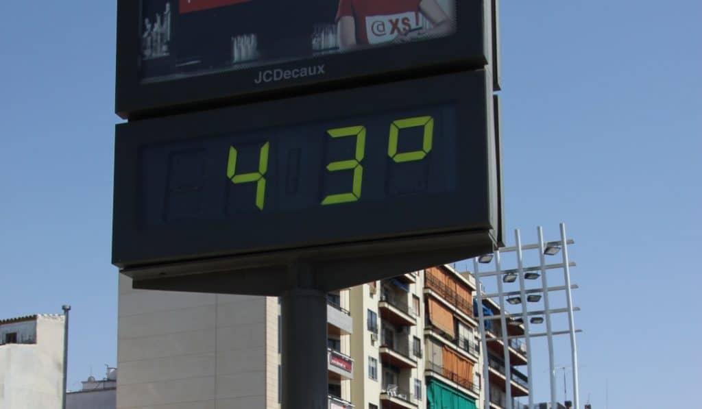 Sevilla se prepara para la primera ola de calor del verano con temperaturas récord