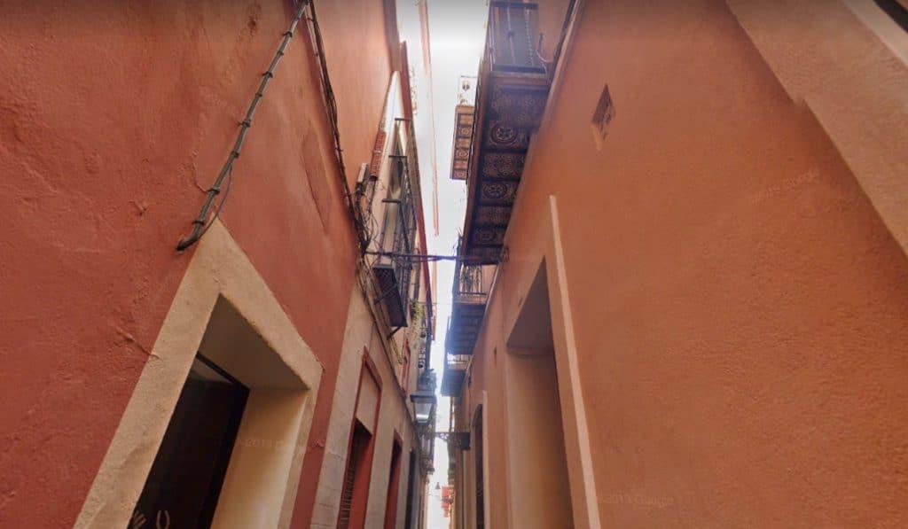 ¿Sabes cuál es la calle más estrecha de Sevilla?