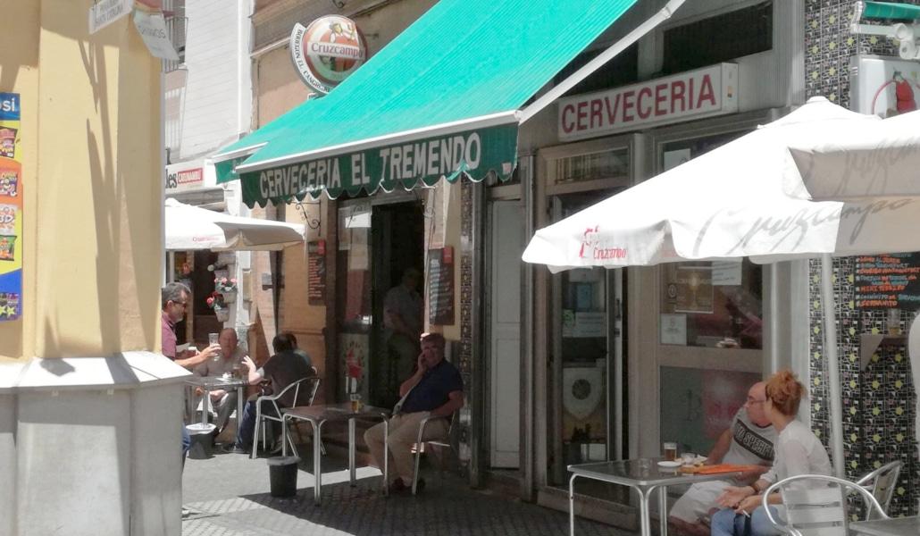 El Tremendo, el bar menos «foodporn» y más cojonudo de Sevilla