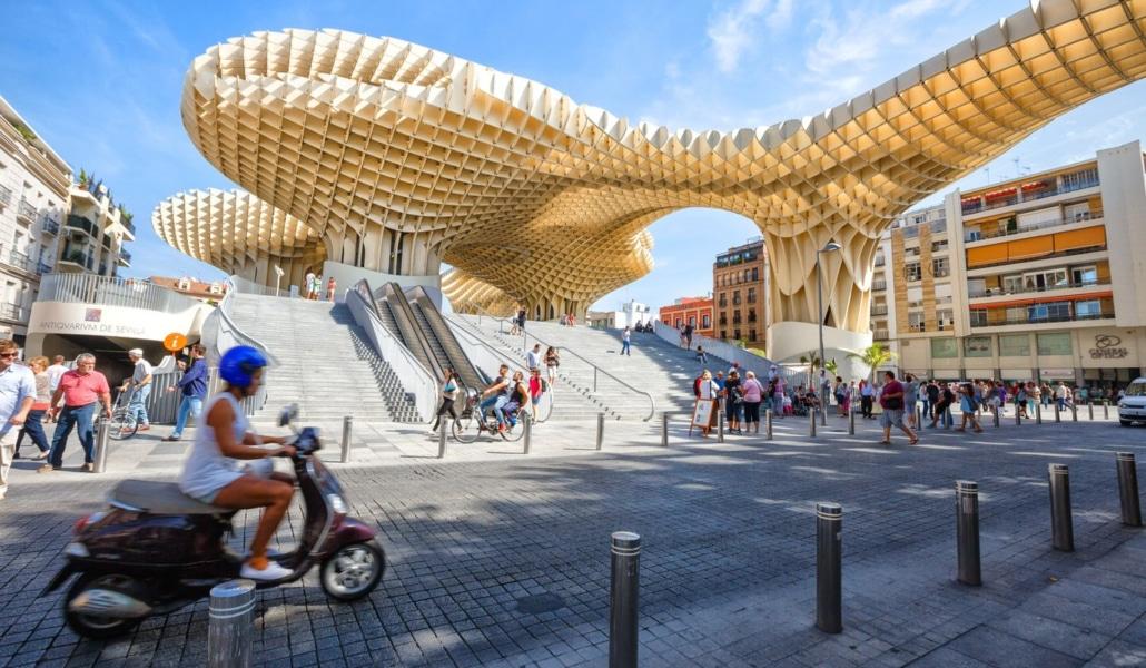 5 planes para exprimir el Puente del Pilar en Sevilla