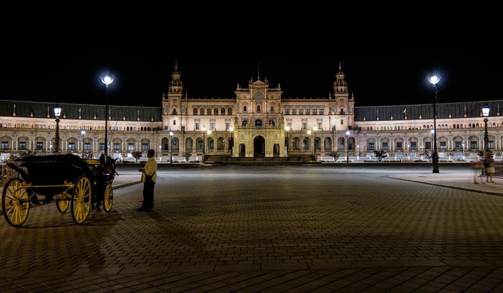 3 rutas guiadas para conocer la cara oscura de Sevilla