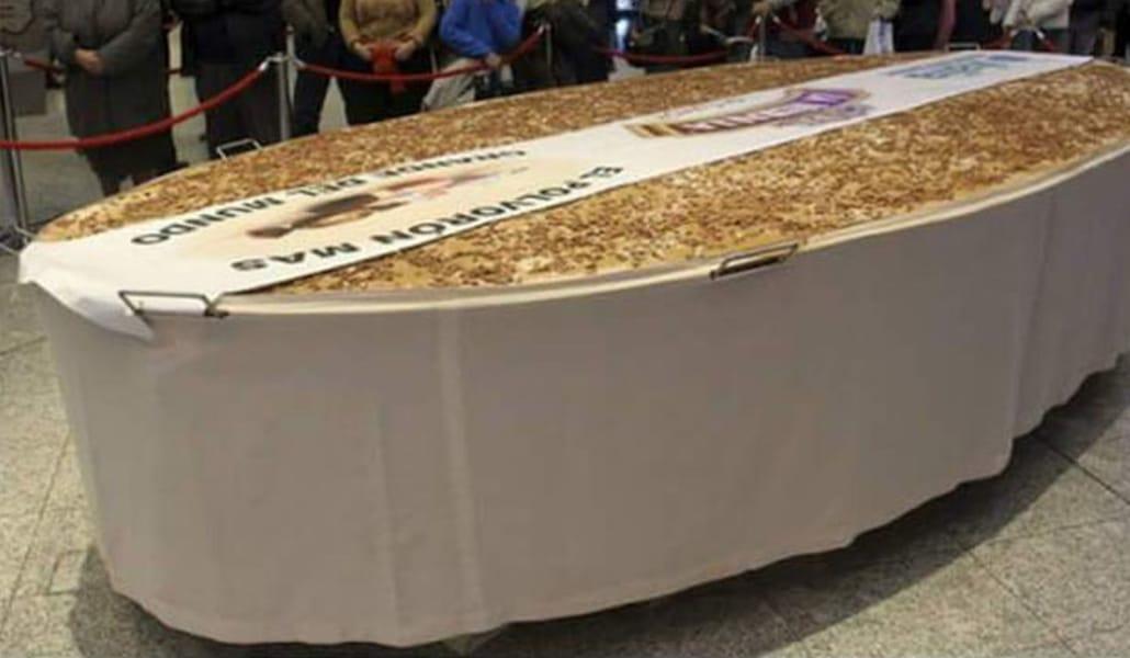 Estepa ha hecho el polvorón más grande de la historia