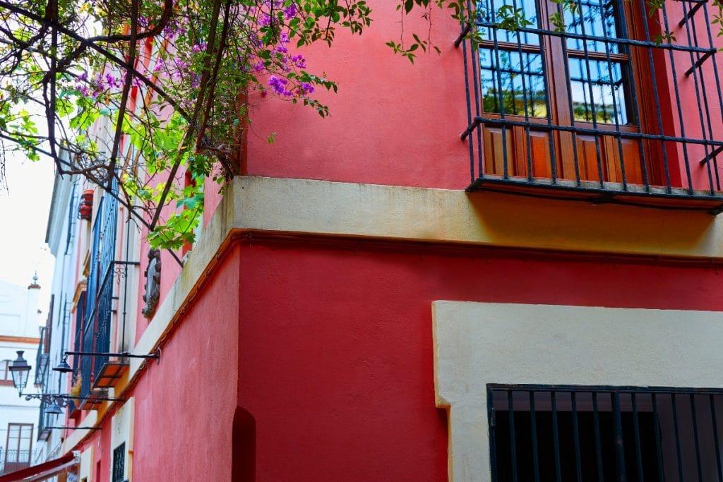 La calle Pimienta: leyendas y encanto en el Barrio de Santa Cruz