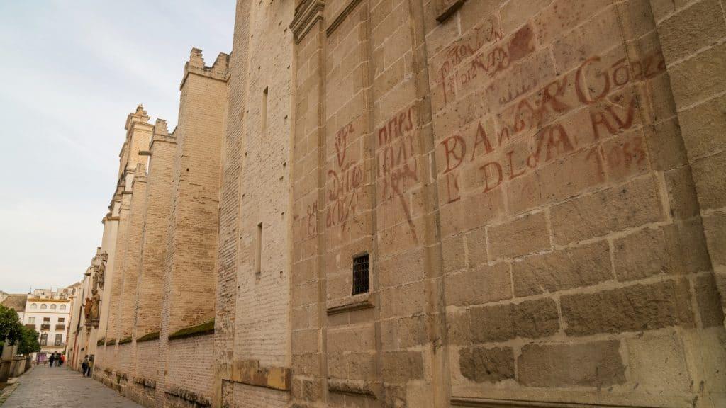Los vítores de la Catedral de Sevilla, los graffitis de antaño