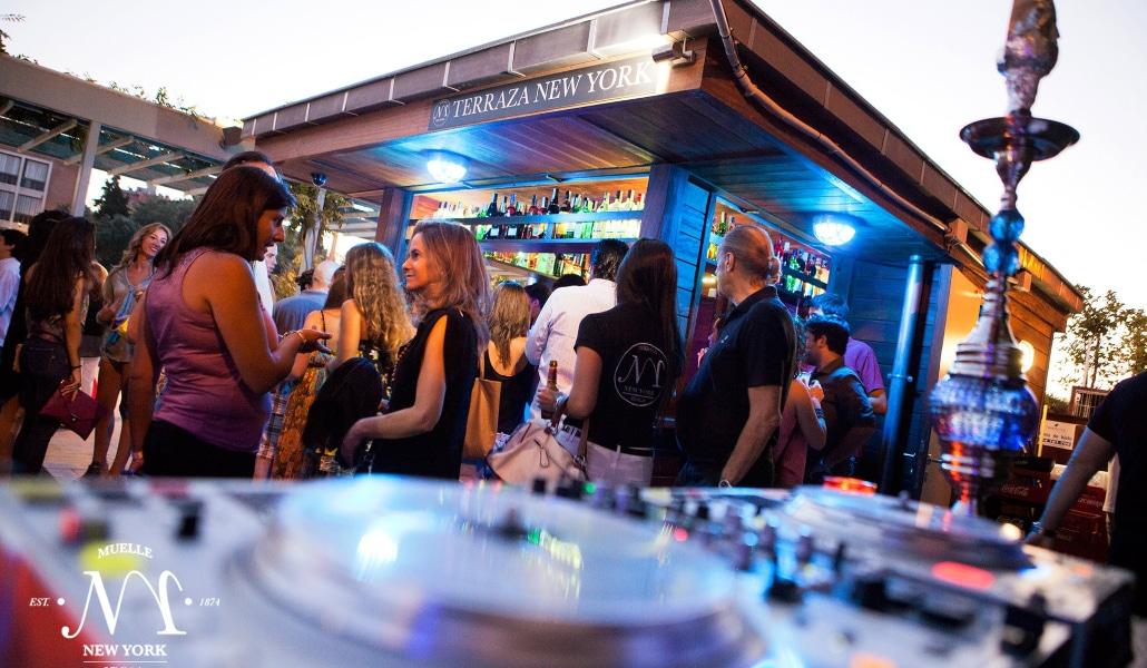 http://www.tactilware.com/terraza-new-york-lounge-mojitos-en-el-muelle-de-nueva-york-de-sevilla/