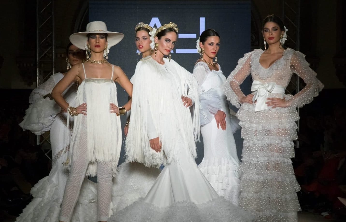 http://entreciriosyvolantes.com/category/tendencias-moda-flamenca/