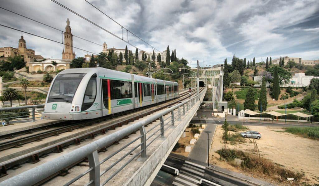 Se cumplen diez años de Metro en Sevilla y una sola línea operativa