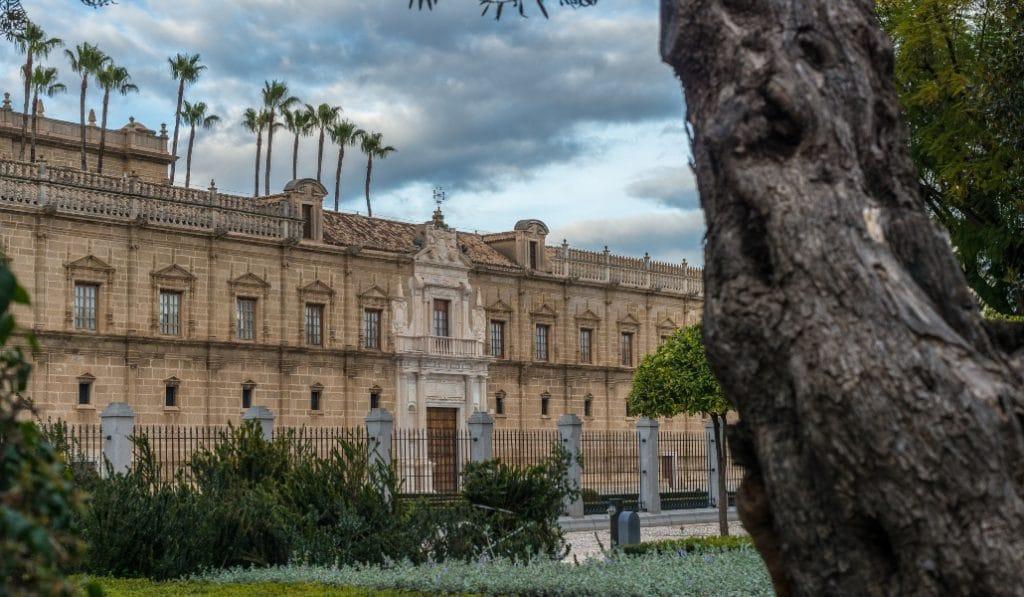 5 edificios de Sevilla con historias terroríficas