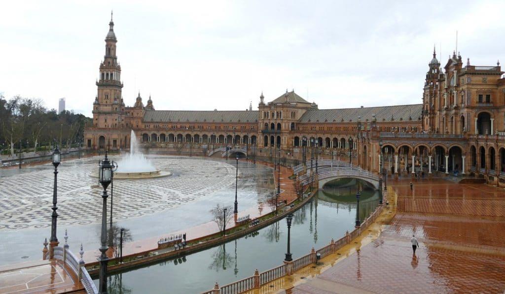 La gota fría provoca la alerta amarilla en Sevilla