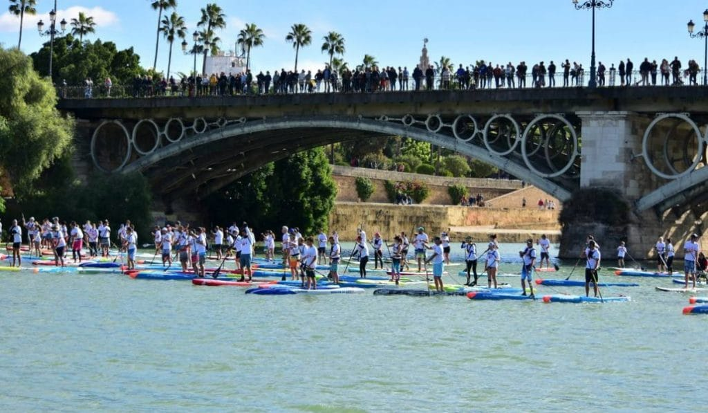 Este fin de semana 200 tablas de paddle surf conquistarán Sevilla