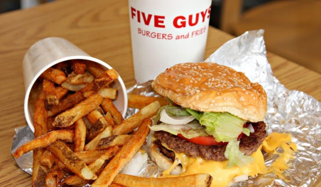 Five Guys: la hamburguesa favorita de Obama a punto de abrir en Sevilla