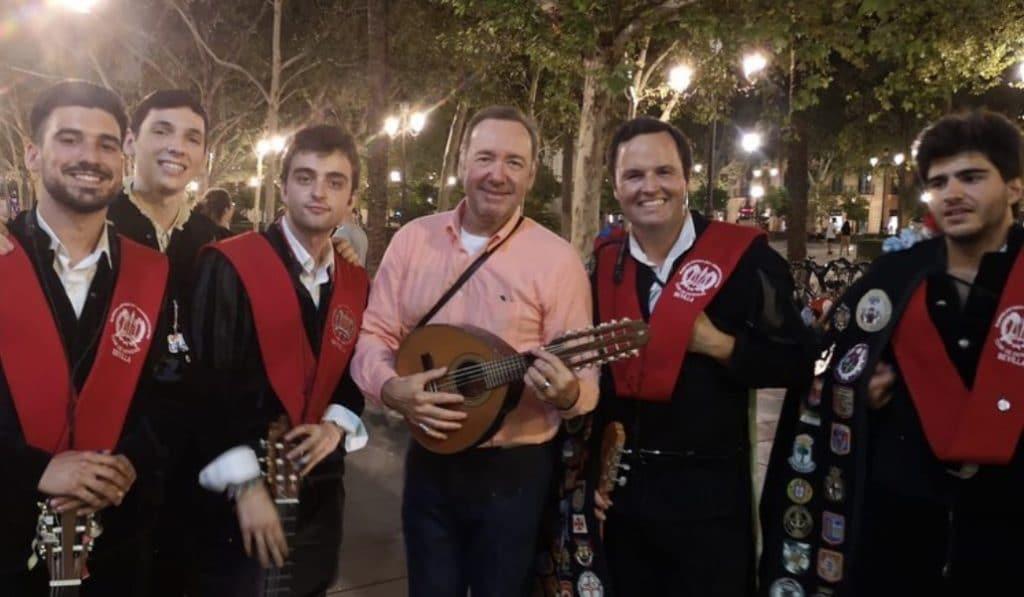 El sorprendente vídeo de Kevin Spacey con la tuna de la Facultad de Derecho de Sevilla