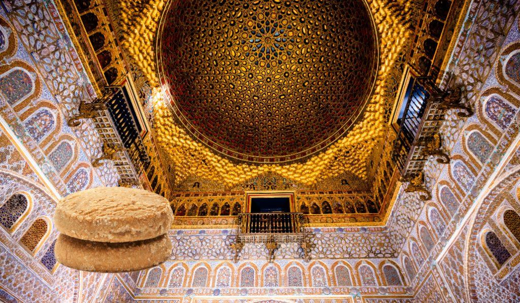 El Real Alcázar regalará mantecados y polvorones a sus visitantes esta noche