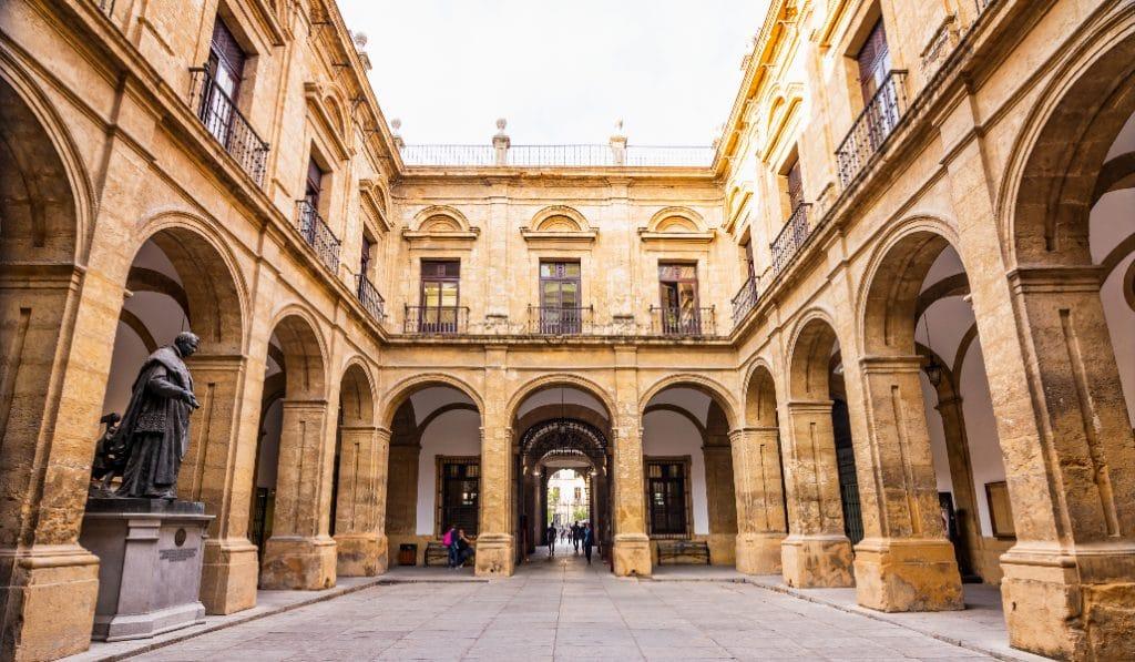 La Universidad de Sevilla tendrá una tienda de souvenirs