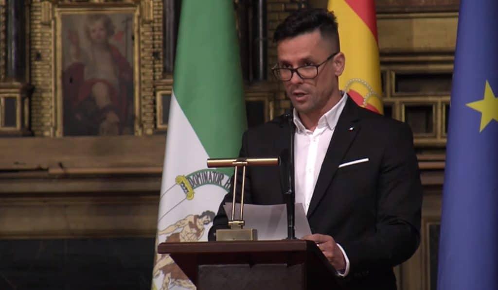 El rapero Haze recibe el premio al mejor expediente académico por la Universidad de Sevilla