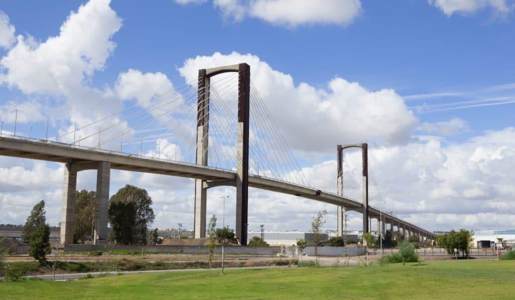 El puente del Centenario tendrá tres carriles por sentido